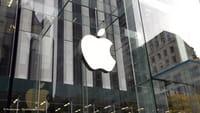 iPhone 8 svelate sagome industriali