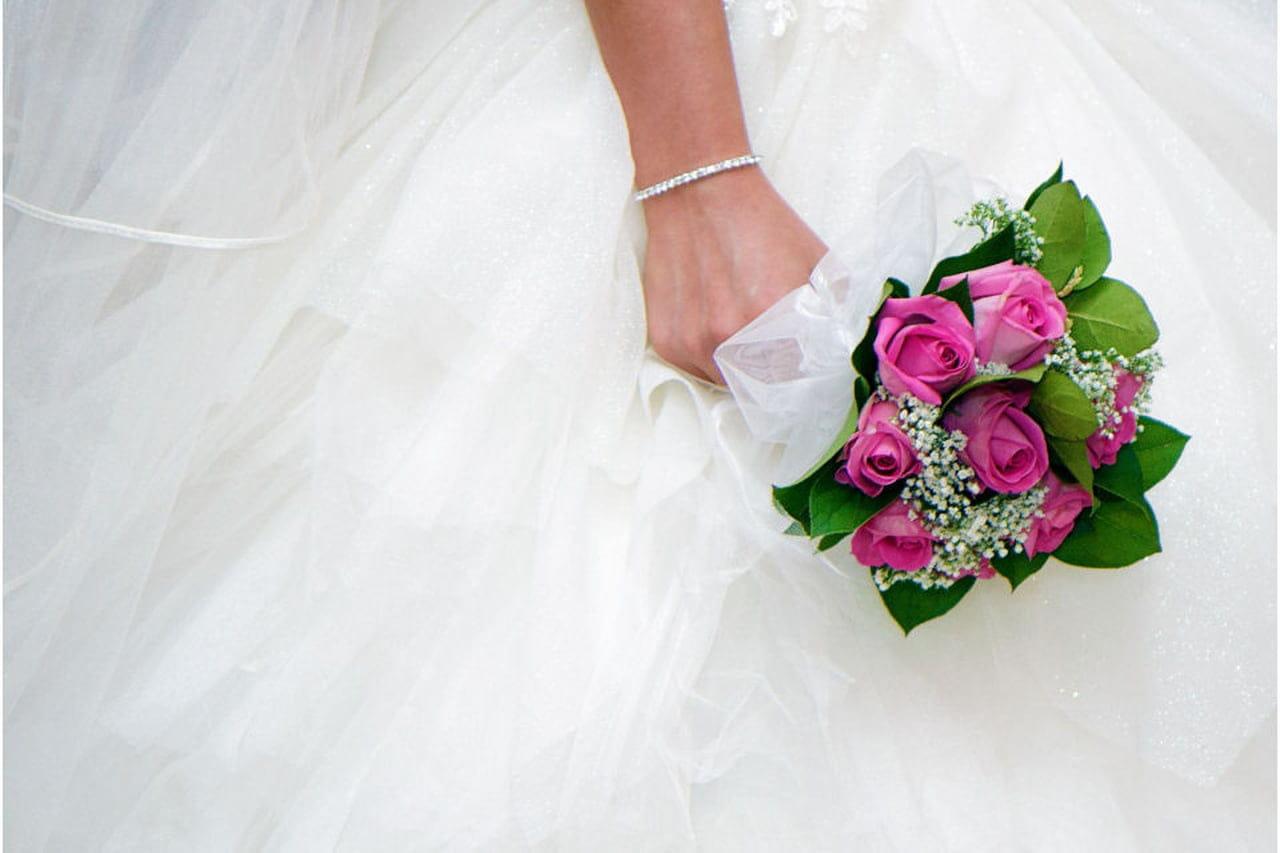 Bouquet Sposa Con Un Solo Fiore.Un Fiore Per La Sposa Bouquet Con Un Fiore Solo Magazine Delle