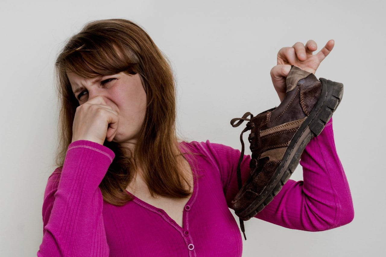 Come Eliminare Il Cattivo Odore Dei Piedi