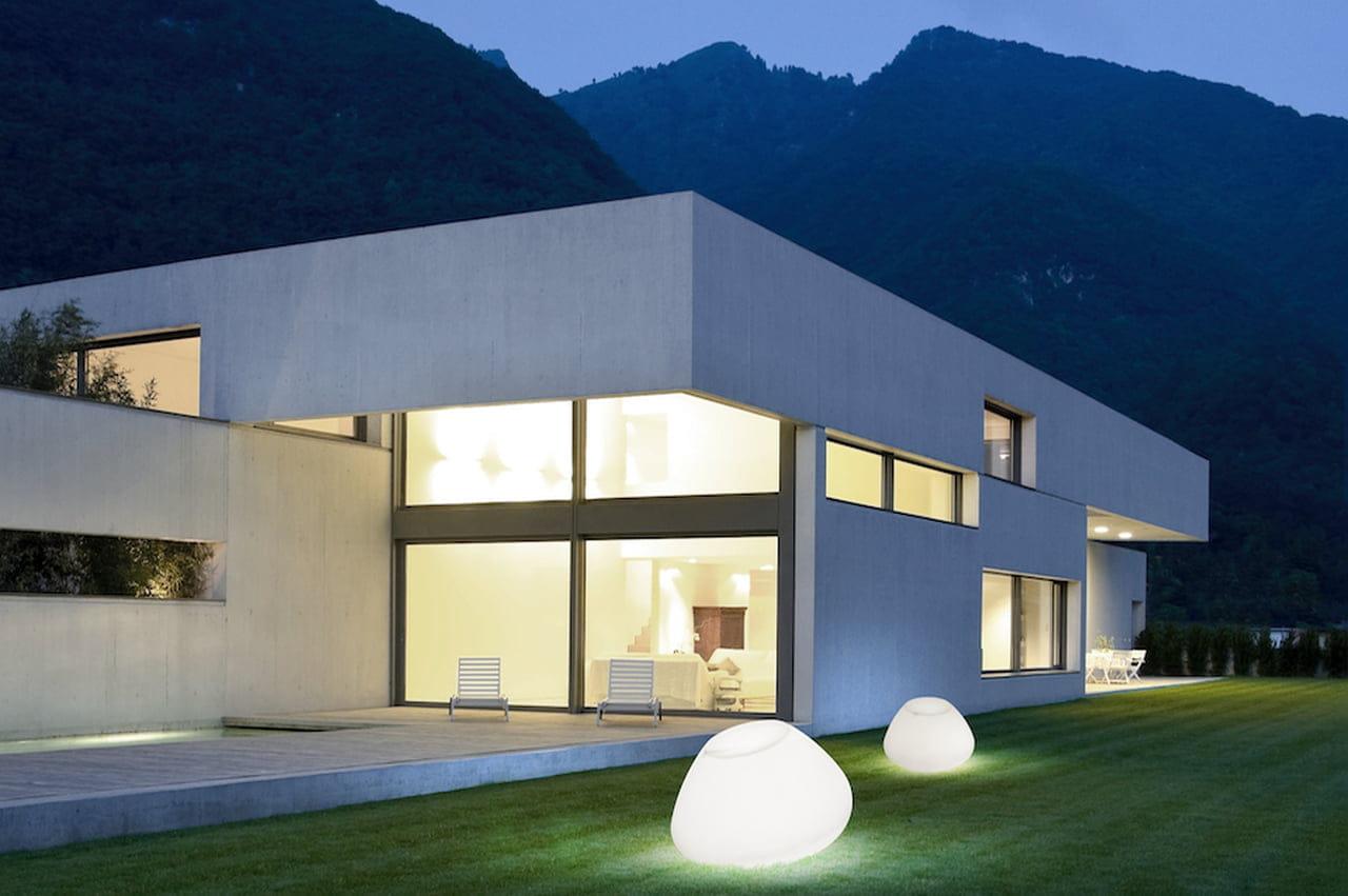 Illuminazione Giardini Design : Illuminazione giardino: lampade luci e faretti di design