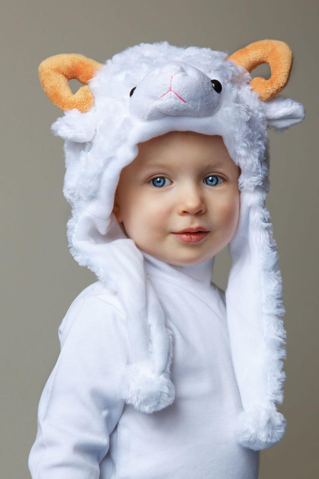Per ottenere un simpatico travestimento di carnevale per neonati basta  scegliere il cappello giusto! © Anna Kraynova 123rf c4b77a30894