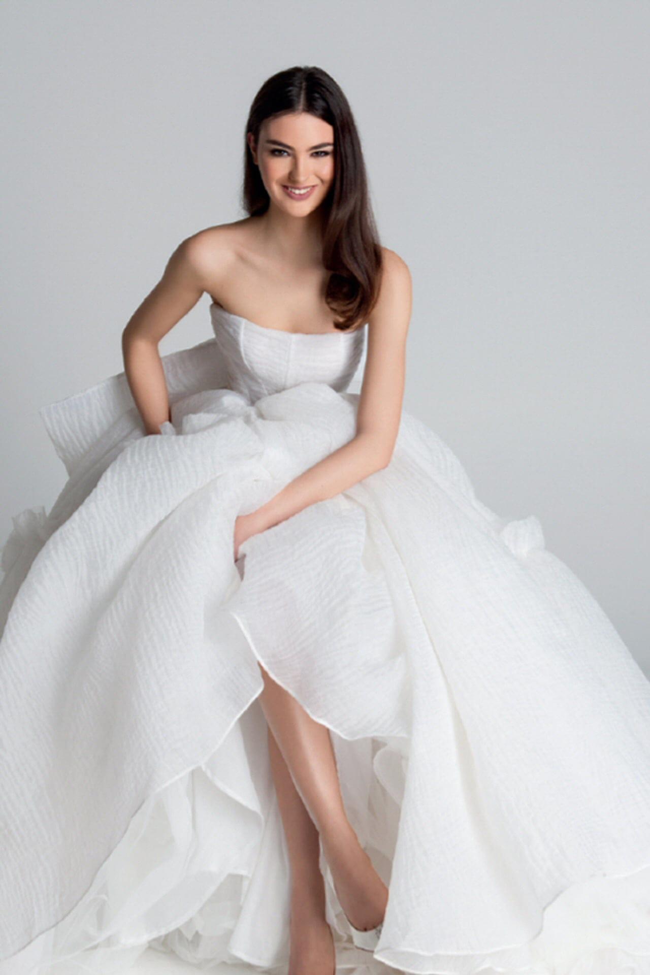 811a9b12de39 Abiti da sposa 2018  i modelli delle nuove collezioni