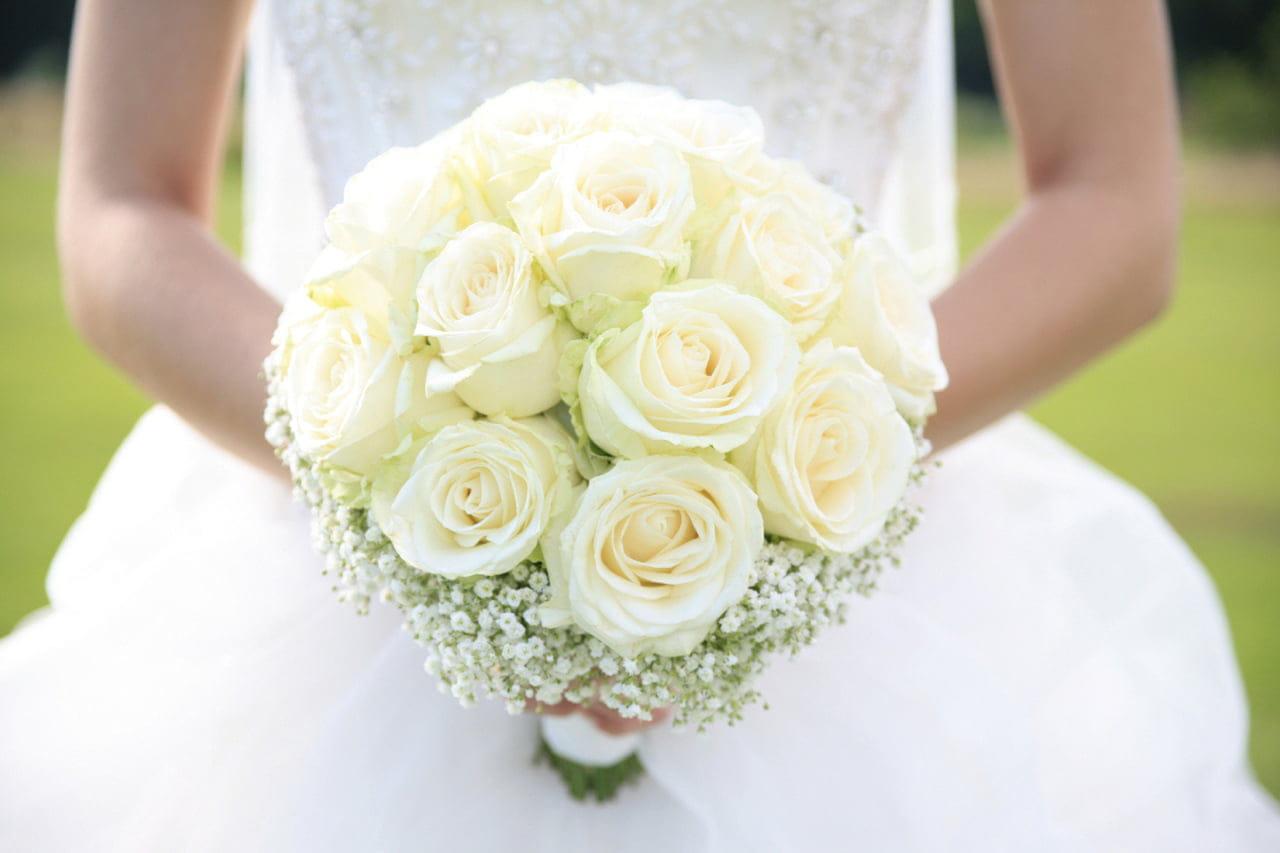 Bouquet Sposa Fiori.Bouquet Da Sposa Il Significato Dei Fiori Magazine Delle Donne
