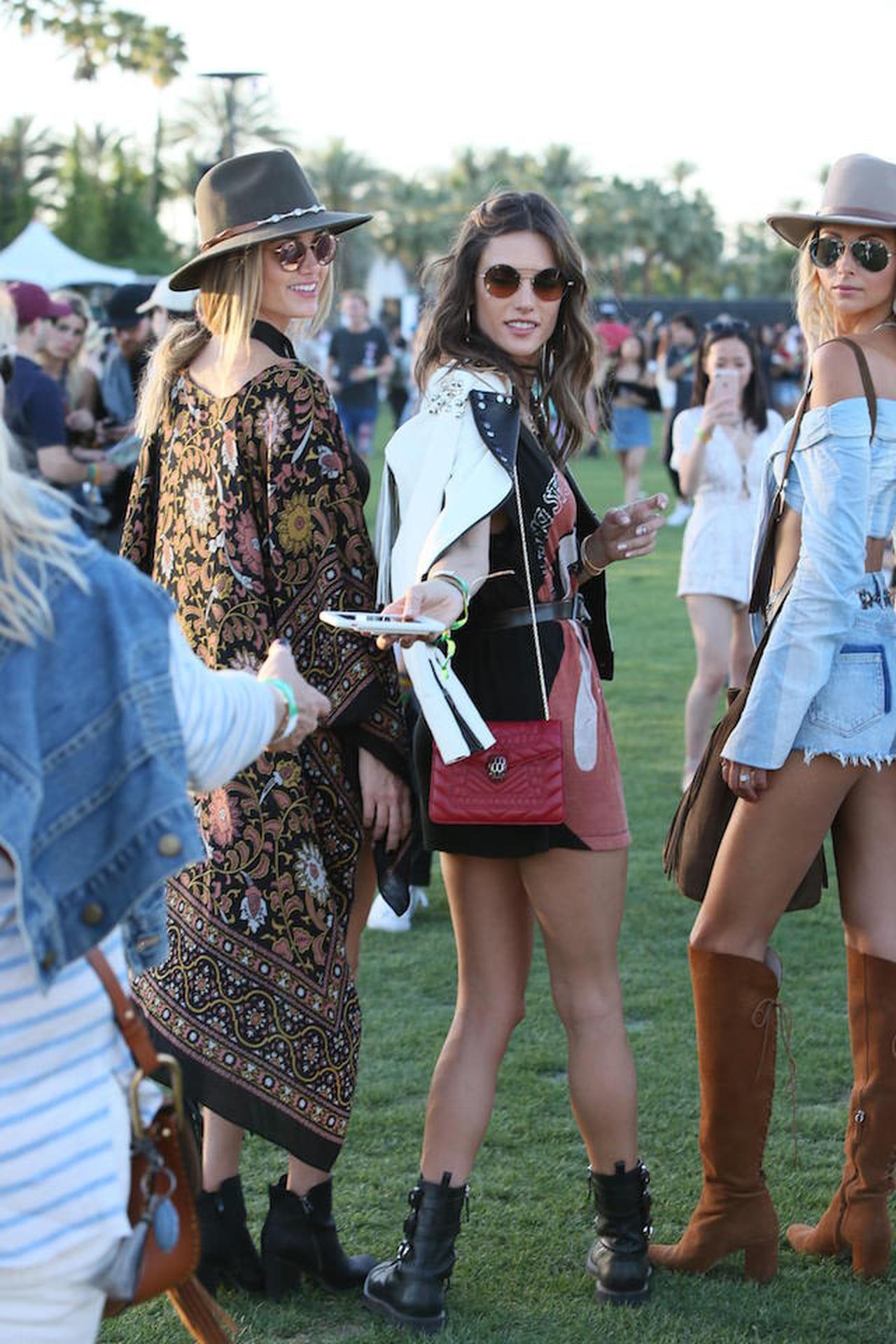 2e73ab27d70e Outfit Primavera Estate 2017  3 idee dal Coachella