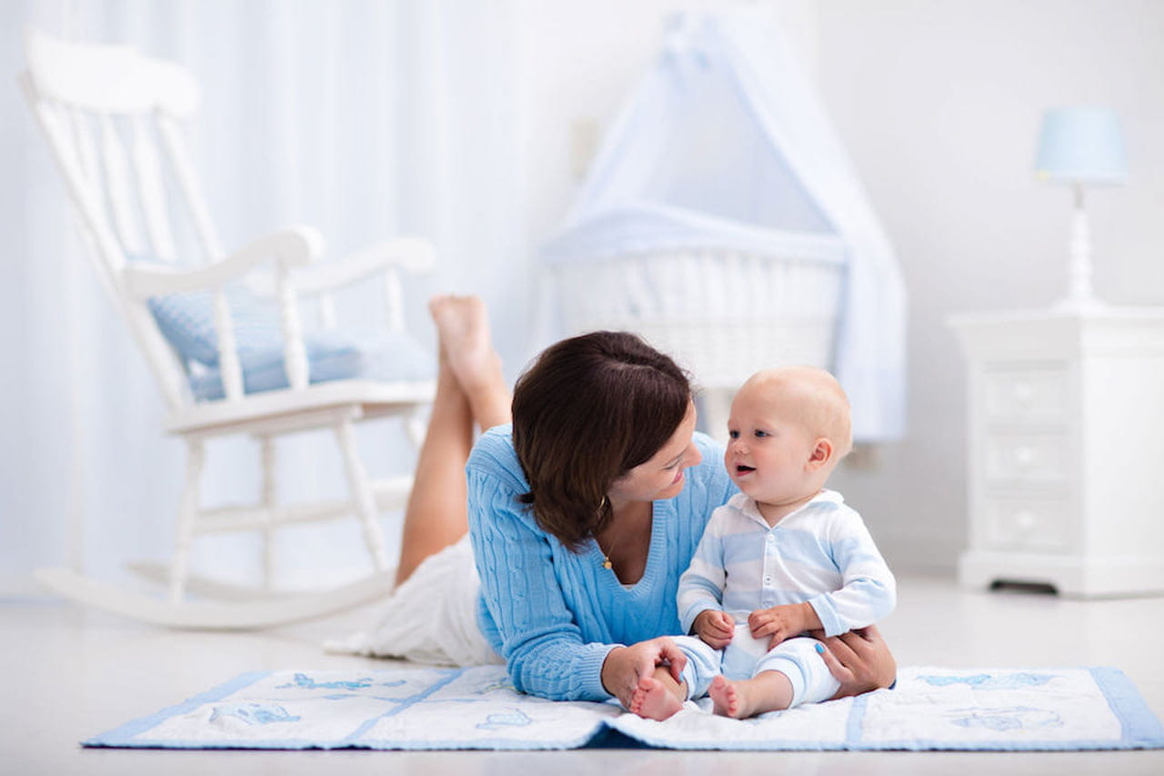 Quando Inizia A Gattonare Neonato quando iniziano a parlare i bambini? - magazine delle donne