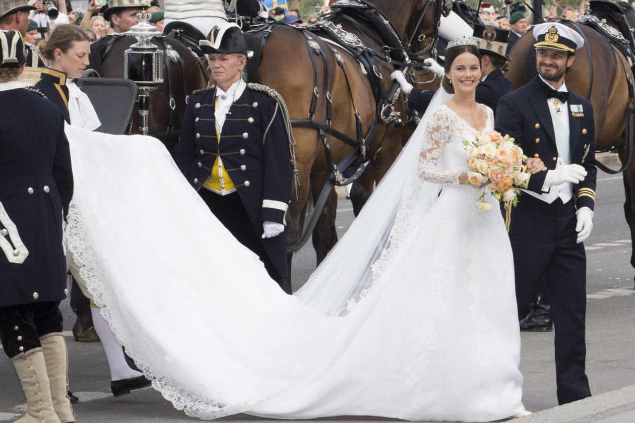 Abiti Da Cerimonia Kika.Abiti Da Sposa Da Principessa I Vestiti Reali Magazine Delle Donne
