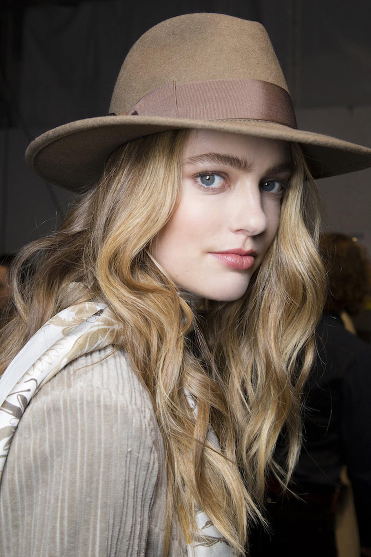 Cappello da donna: inverno tra stile mannish e velette ...