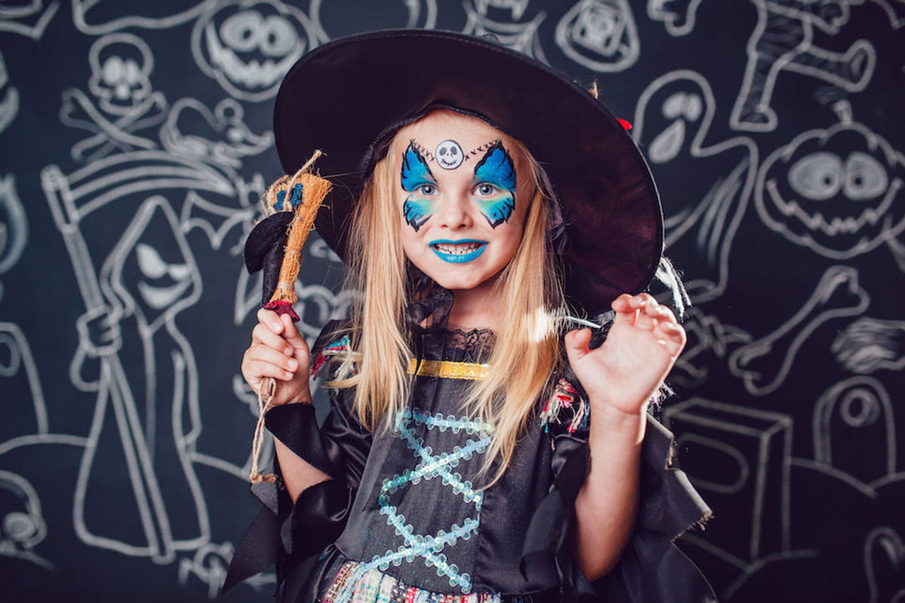 Trucchi Di Halloween Spaventosi.Trucco Streghetta Di Halloween Per Bimba Come Si Fa