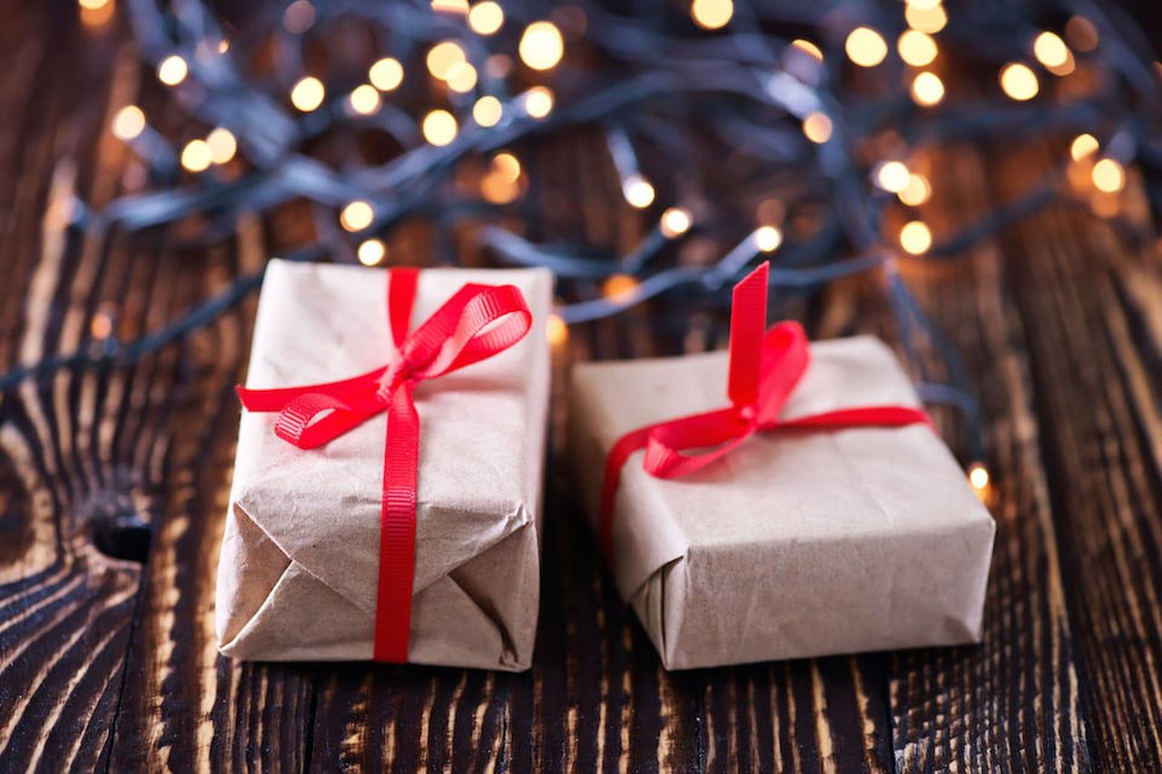 Bambini Che Scartano I Regali Di Natale.Regali Di Natale 2017 Per Lei Per Lui Per Bambini