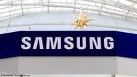 Samsung W2019 flip phone dual-screen