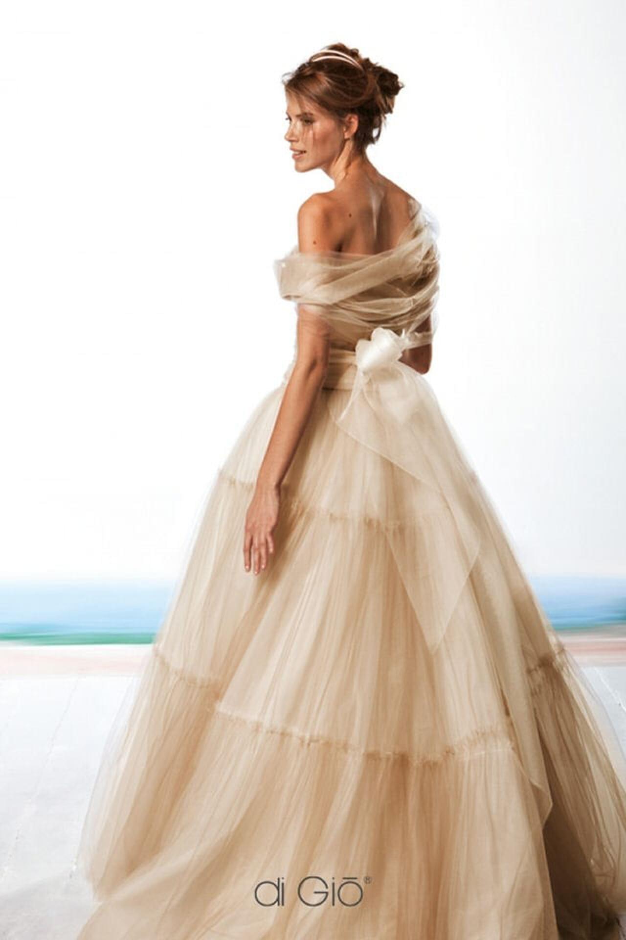 Le Spose di Giò  gli abiti più belli 72eb8d8eb27