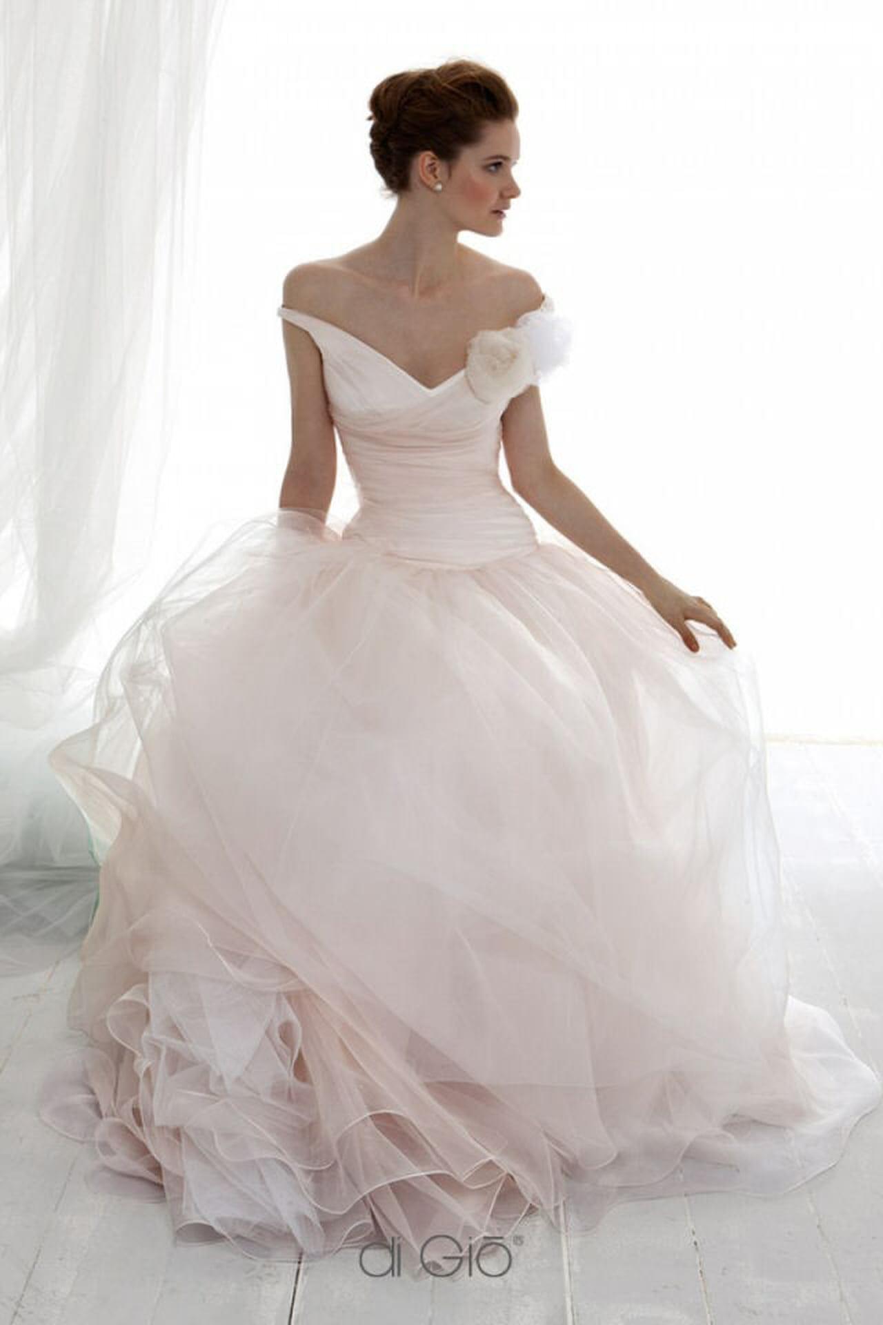 Vestiti Da Sposa Le Spose Di Gio.Le Spose Di Gio Gli Abiti Piu Belli Magazine Delle Donne